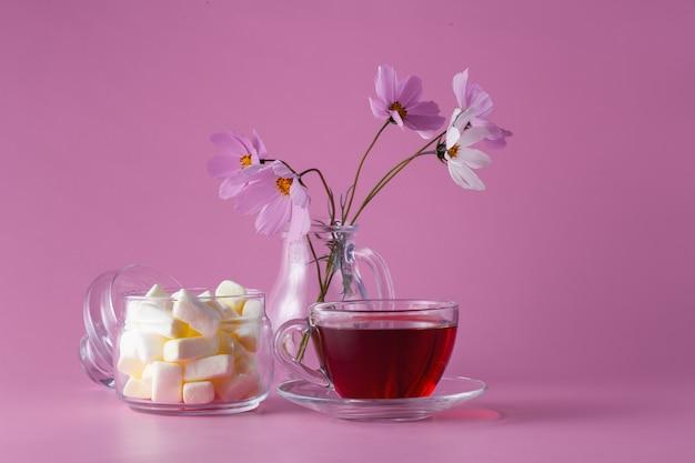 Filiżanka herbaty z pianką