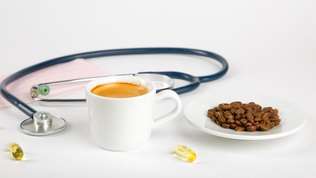 Filiżanka kawy i ciśnienie krwi. czy kawa jest dla ciebie dobra?