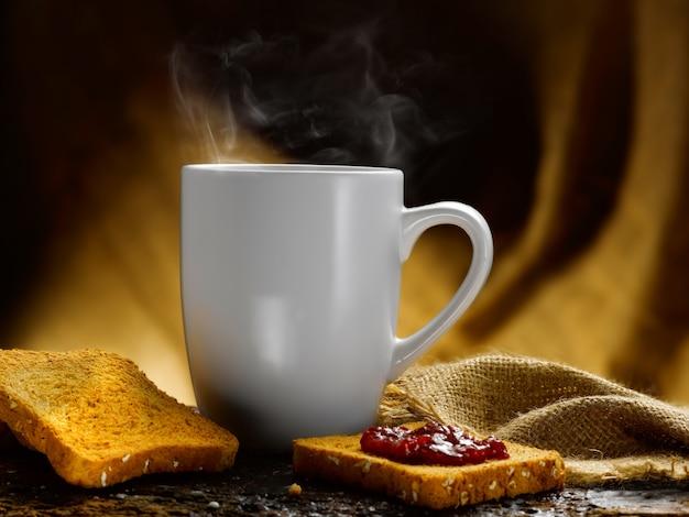 Filiżanka kawy i mleka