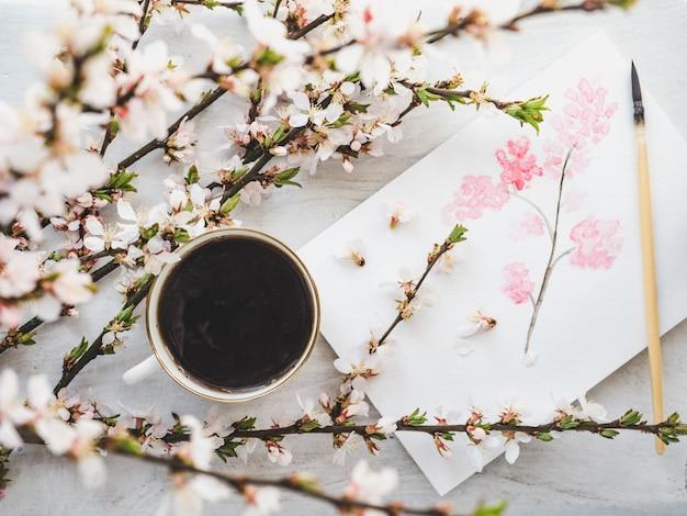 Filiżanka kawy i piękny rysunek