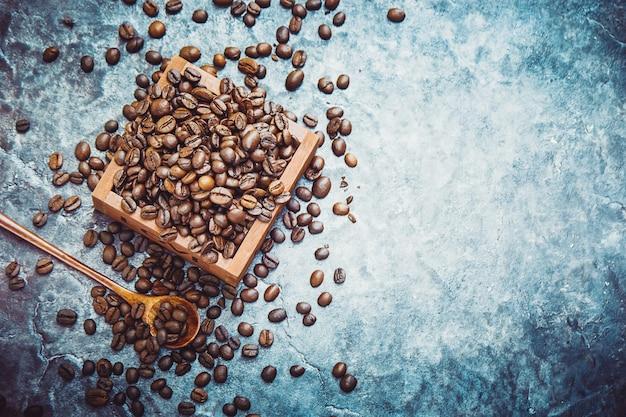 Filiżanka kawy. jedzenie i picie. selektywna ostrość.