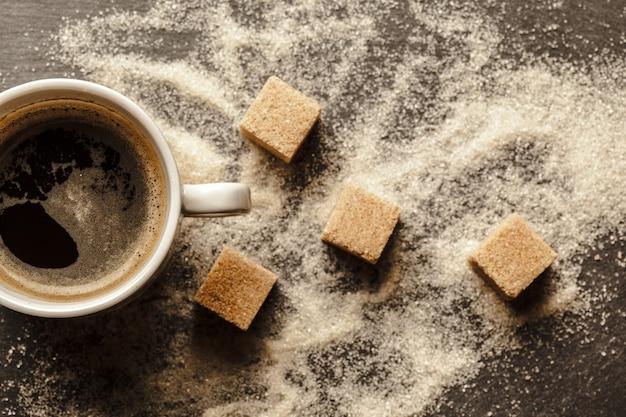 Filiżanka kawy z cukrem