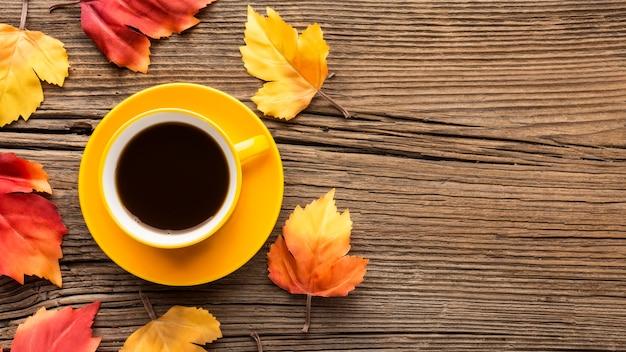 Filiżanka kawy z kopiowaniem przestrzeni