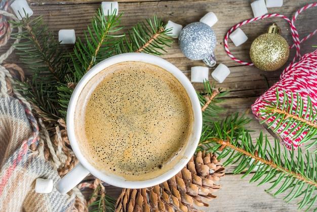 Filiżanka kawy zima boże narodzenie