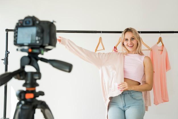 Film wideo z modą nagrań blonde blonde