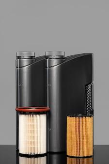 Filtry oleju samochodowego i puszka oleju silnikowego