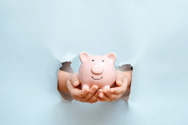 Finanse, ekonomia lub oszczędność pieniędzy, waluty