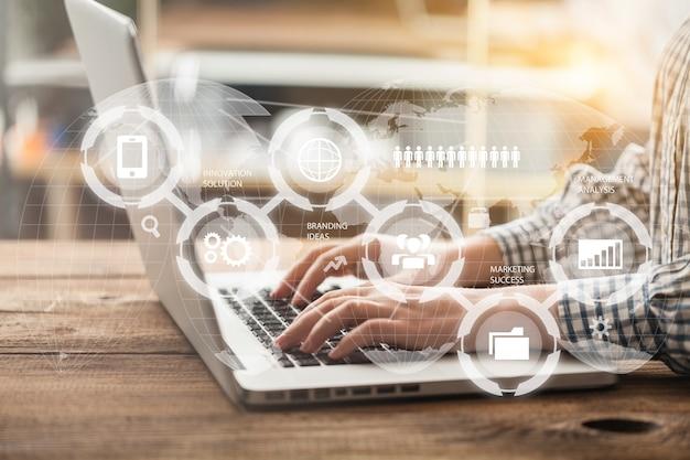 Finansowa koncepcja społecznościowa platformy zarządzania danymi
