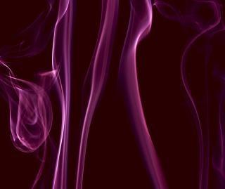 Fioletowy powietrze dym