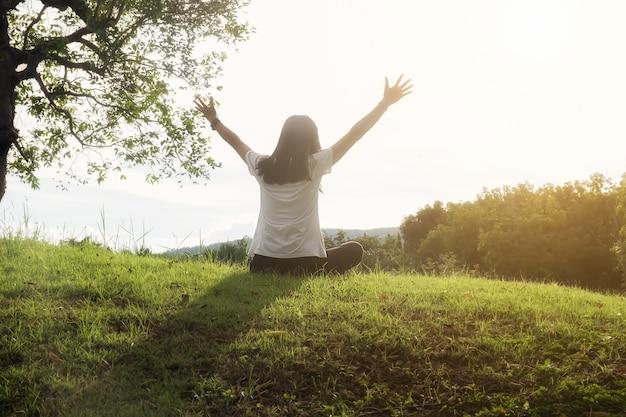 Fitness azjatyckiego zdrowia naturalnej komfortowej przyrody