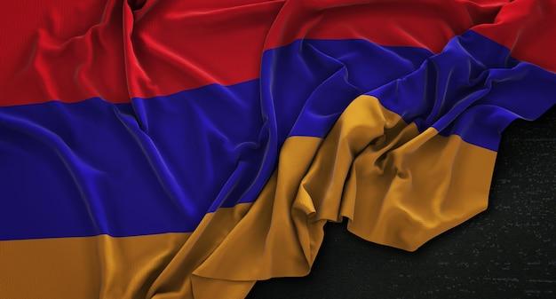 Flaga armenii zgnieciony na ciemnym tle renderowania 3d
