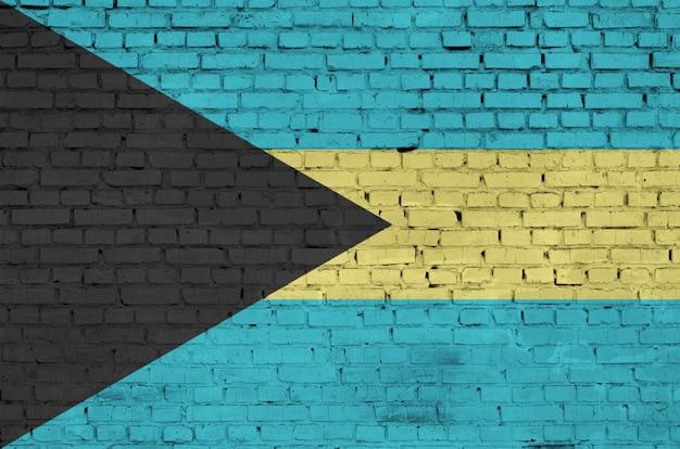 Flaga bahamów jest namalowana na starym ceglanym murze