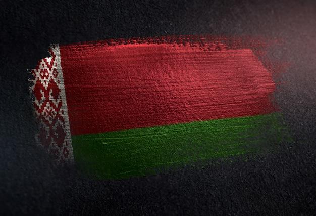 Flaga białorusi wykonane z pędzla metaliczny pędzla na ścianie ciemne grunge