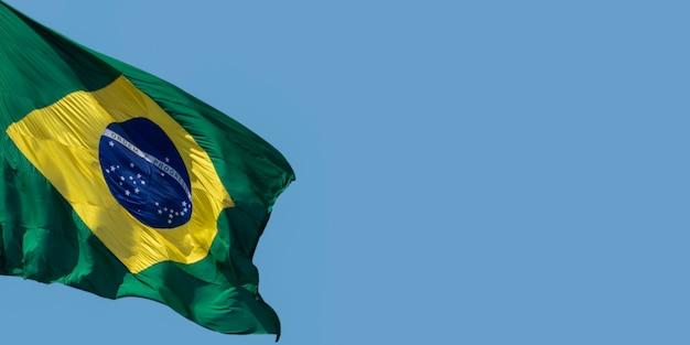 Flaga brazylii na wietrze