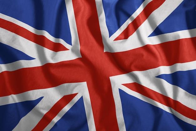 Flaga brytyjska leci na wietrze