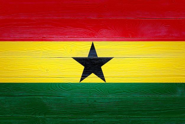 Flaga ghany namalowana na drewnianych deskach