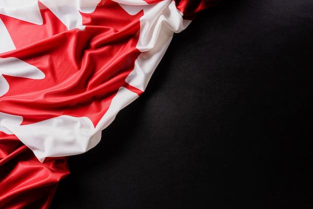 Flaga kanady, piękny kolor z fakturą tkaniny.
