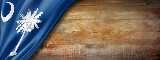 Flaga karoliny południowej na starym drewnianym murze, usa. ilustracja 3d