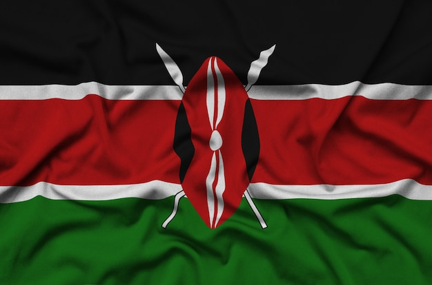 Flaga kenii jest przedstawiona na sportowej tkaninie z wieloma zakładkami.