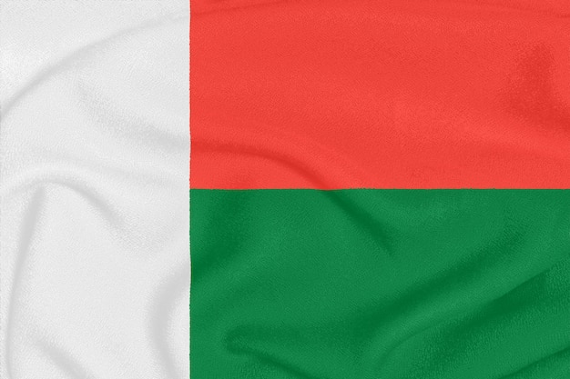 Flaga madagaskaru na teksturowanej tkaninie, symbol patriotyczny