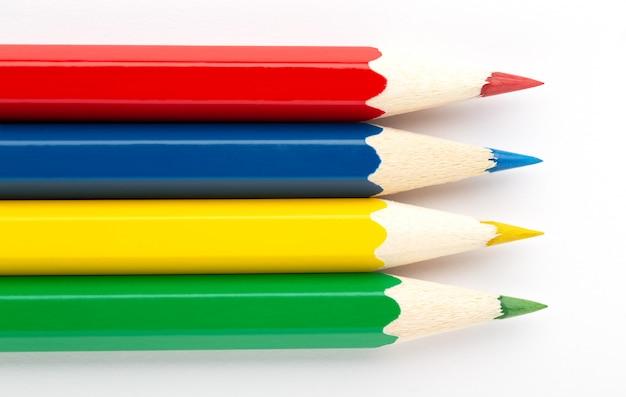Flaga mauritiusa wykonana z kolorowych drewnianych ołówków