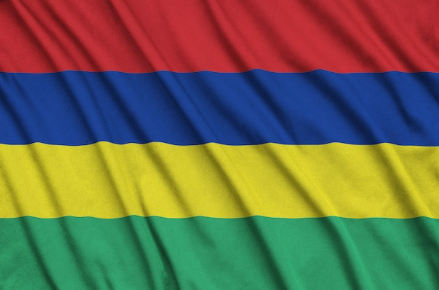 Flaga mauritiusa z wieloma zakładkami.