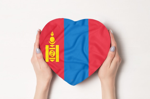 Flaga mongolii na pudełku w kształcie serca