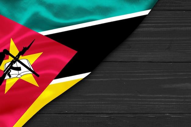 Flaga mozambiku jest jedwabną przestrzenią do kopiowania