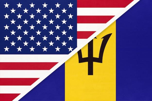 Flaga narodowa usa vs barbados. relacje między dwoma krajami.