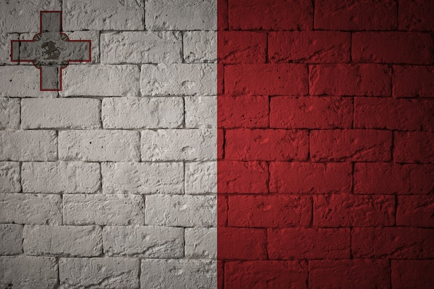 Flaga o oryginalnych proporcjach. zbliżenie grunge flaga malty