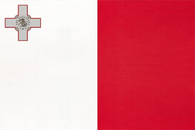 Flaga republiki malty z godłem