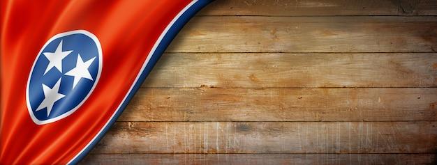 Flaga tennessee na starej ścianie z drewna, usa. ilustracja 3d