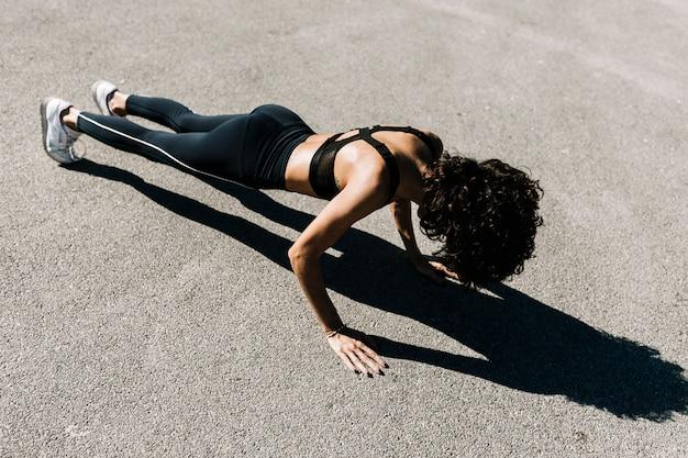 Flexing ćwiczenia