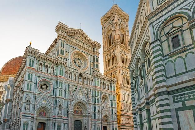 Florence duomo. bazylika santa maria del fiore w florencja, włochy. katedra we florencji
