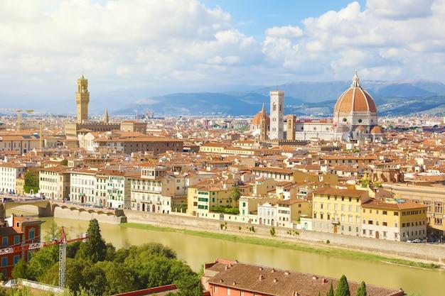 Florencja z rzeką arno, włochy
