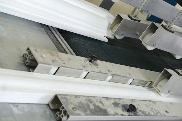Forma prasowa do produkcji listew sufitowych produkcja płyt warstwowych ze styropianu