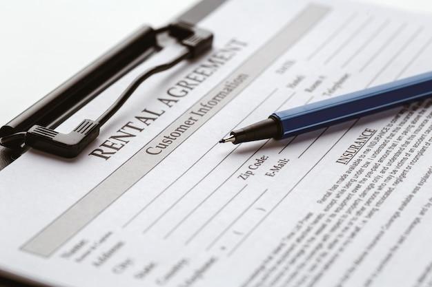 Formularz umowy, sprzedaż i zakup domu lub mieszkania