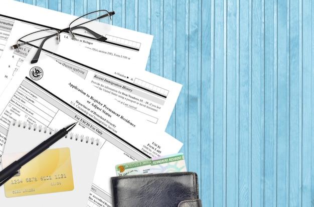 Formularz uscis i-485 wniosek o rejestrację stałego pobytu lub zmianę statusu