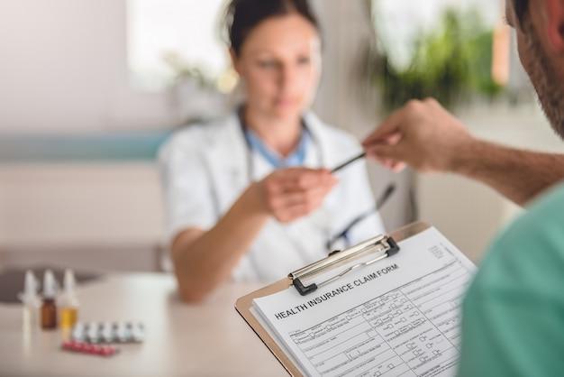 Formularz wniosku o ubezpieczenie zdrowotne złożony przez pacjenta
