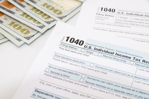 Formularze podatkowe 1040. koncepcja finansowa.
