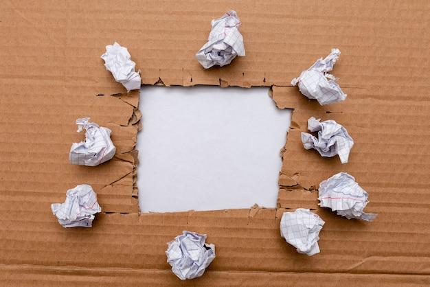Formułowanie nowych myśli, odkrywanie nowych pomysłów, akceptowanie zmian, planowanie z wyprzedzeniem, praca doskonaląca doświadczenie, uczenie się inspirowanie, kreatywne myślenie logiczne