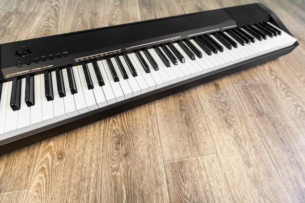 Fortepian i klawiatura fortepianu