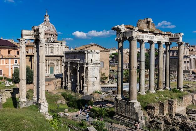 Forum romanum w rzymie, włochy