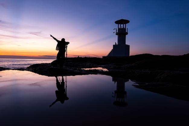 Fotograf fotograf z latarni morskiej