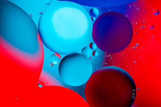 Fotografia kolorowi bąble tlen w wodzie