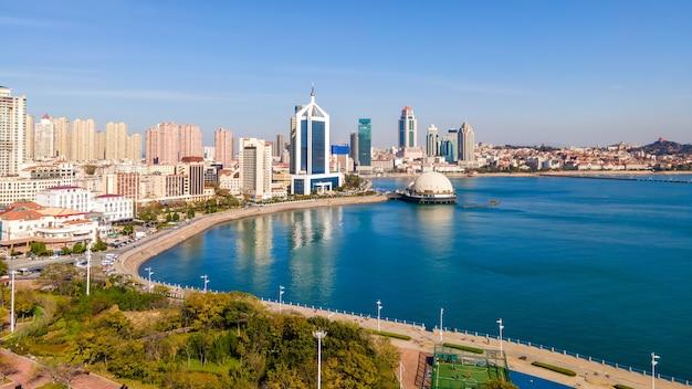 Fotografia lotnicza wybrzeża miasta shandong qingdao