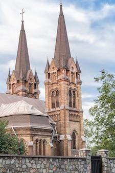 Fragment cerkwi św. mikołaja w kamieńskim na ukrainie. kościół rzymsko-katolicki