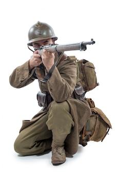 Francuski żołnierz 1940 na białym tle