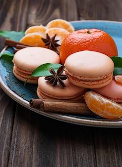 Francuskie makaroniki z mandarynką