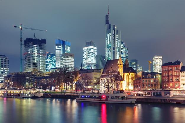 Frankfurt nad menem rano, niemcy